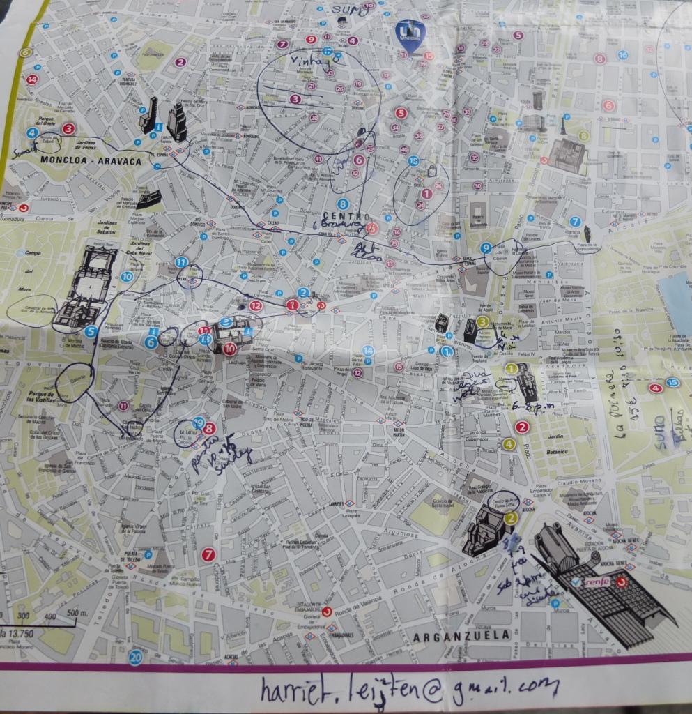 A nossa guia deixou-nos um mapa assinalado com dicas
