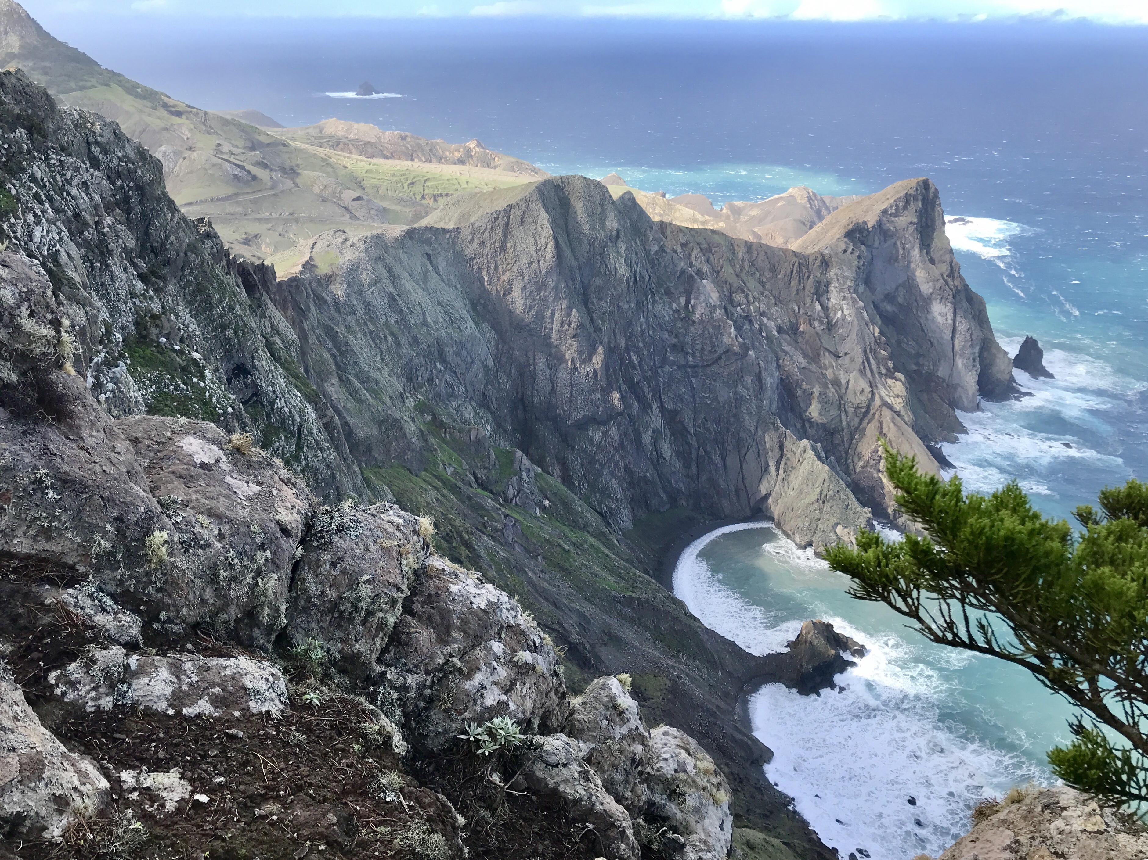 Vereda do Pico Branco Porto Santo e terra chã
